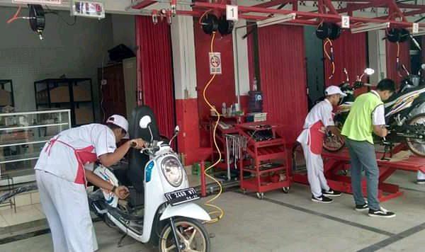 Bengkel Mitra AHASS SMK PGRI Subang