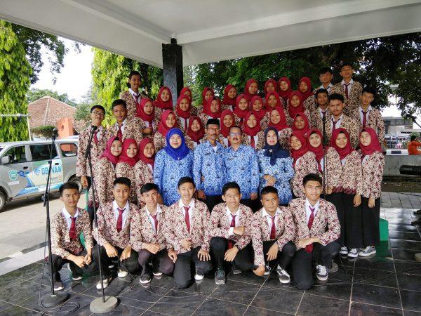 Paduan Suara SMK PGRI Subang di Upacara Memperingati Hari Pahlawan Kab. Subang