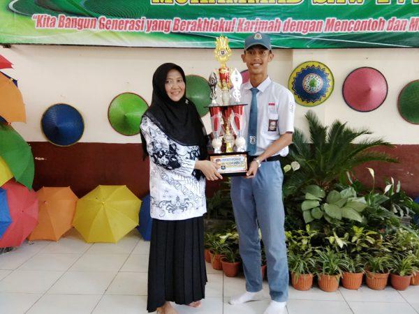 Triana & Ridwan Juara Lomba Poster Kepahlawanan di Dinas Sosial Kab. Subang