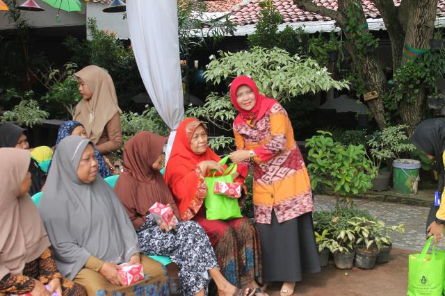 42 Tahun SMK PGRI Subang : Pemberian Santunan
