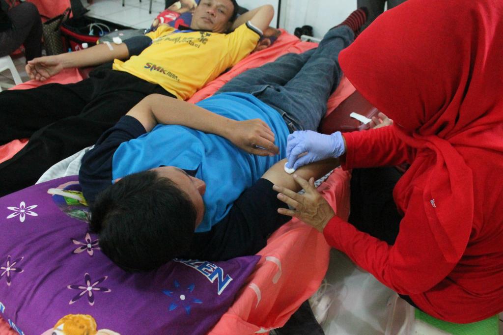 42 Tahun SMK PGRI Subang : Donor Darah