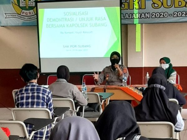 Kegiatan Peningkatan Pendidikan Karakter Bersama Kapolsek Subang